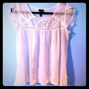 Jessica Simpson white blouse.